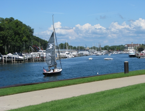 Tips for boating safely in the Great Lakes State
